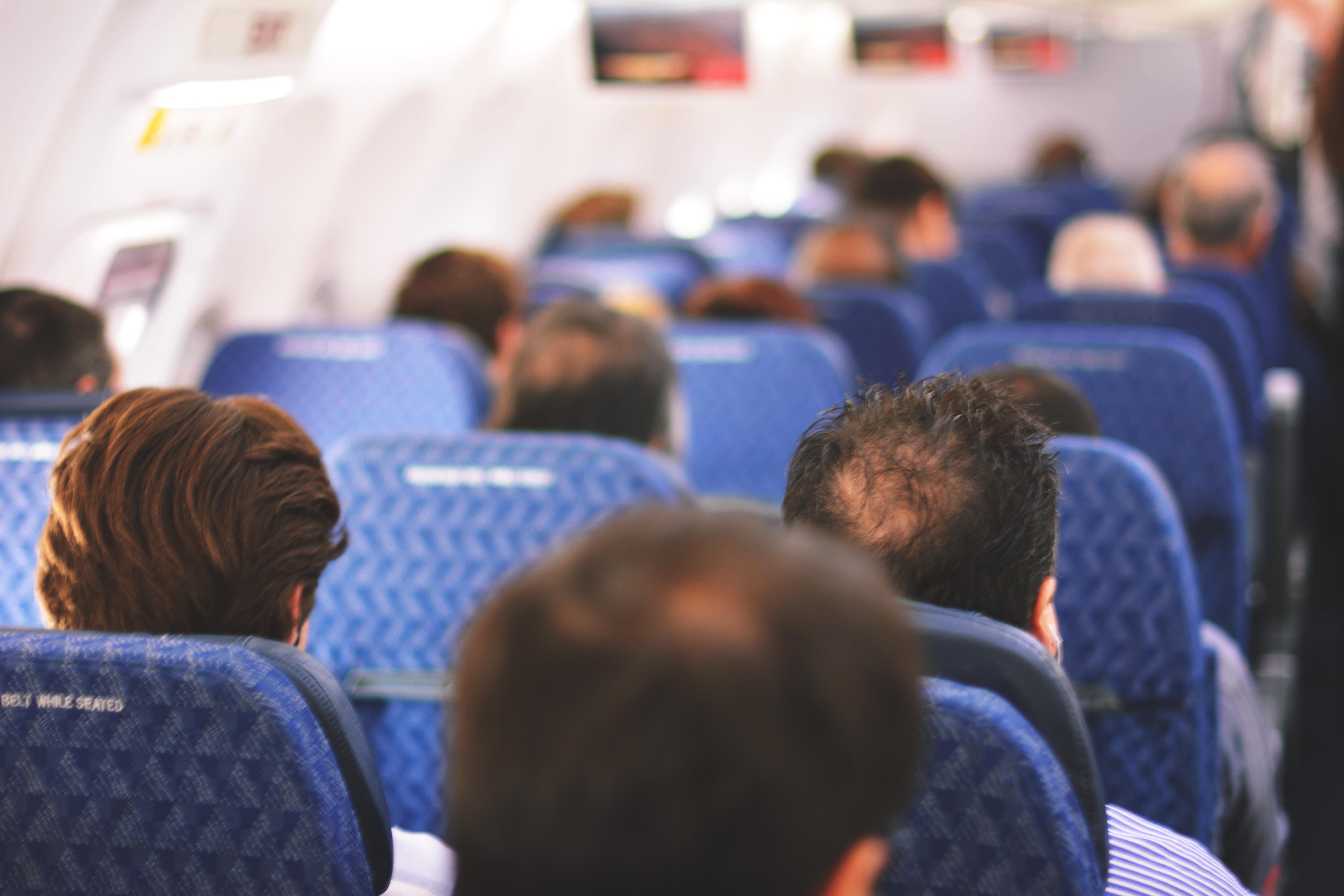 機内で使える便利な英語のフレーズ